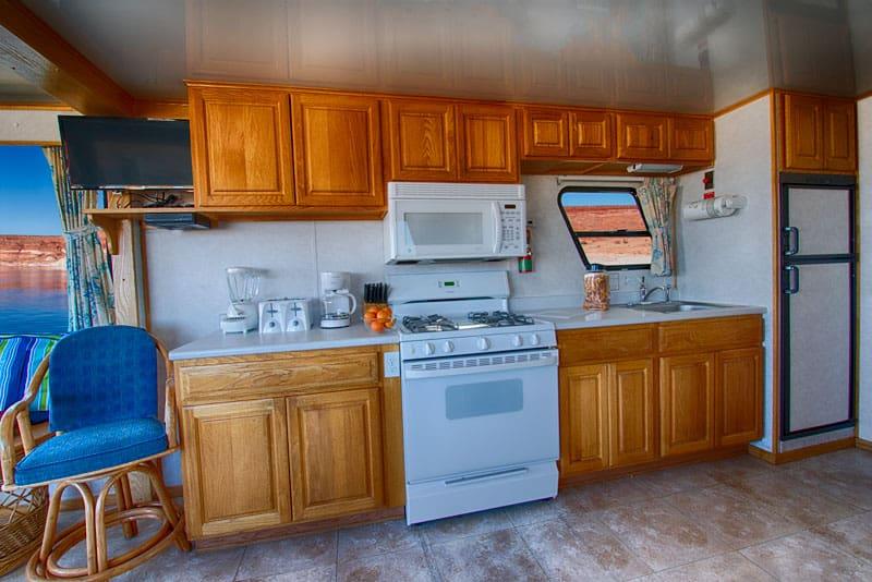 50' forever houseboat kitchen